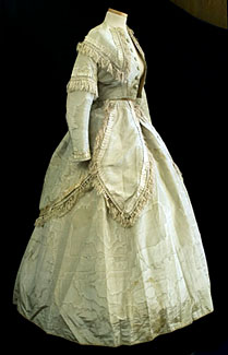 civil-war-period-gown-with-two-bodices-1860s-romantismo.jpg