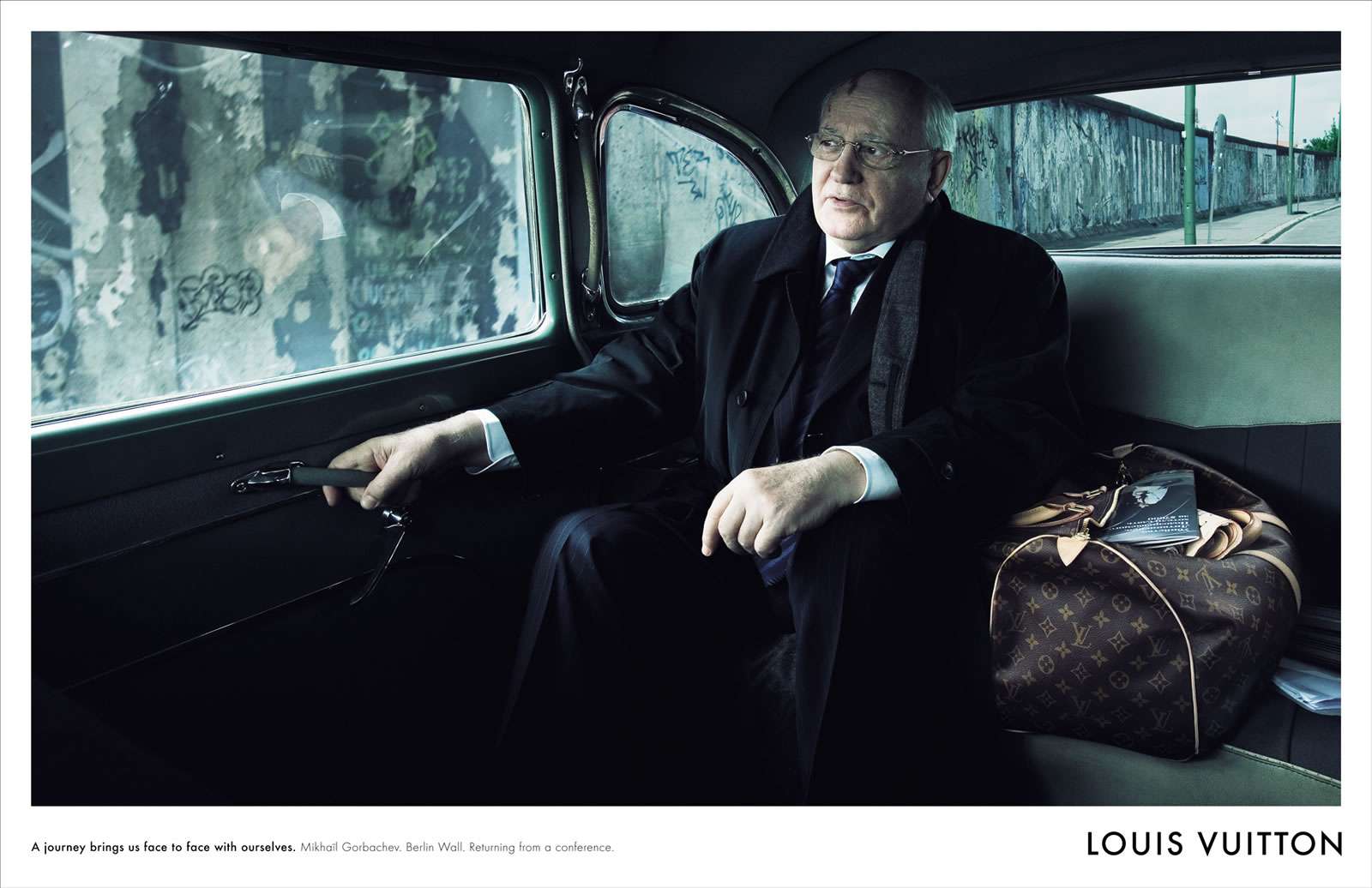 Campanha consagrada da Louis Vuitton volta com Sean Connery