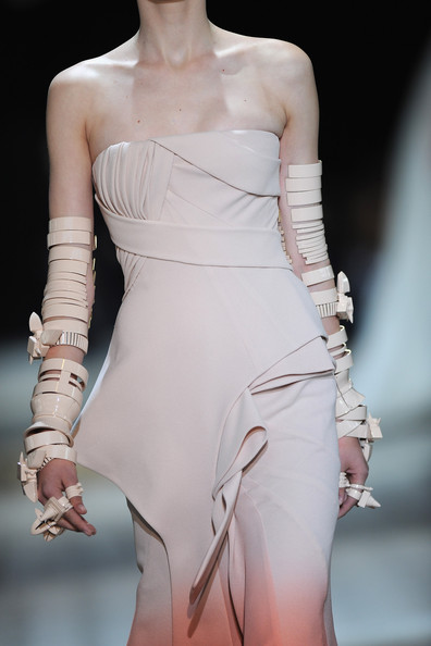 Givenchy   Haute Couture de Paris   fall/winter 2009/2010