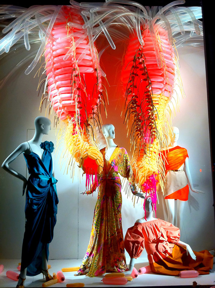 Color-Exploration-in-Bergdorf-Goodman-windows-New-York-02