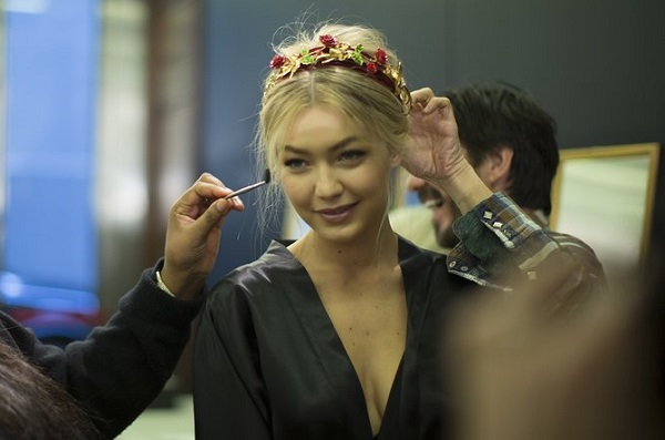 dolce-and-gabbana-fw-2015-backstage-23