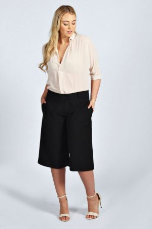 moda para executivas para plus size pantacourt