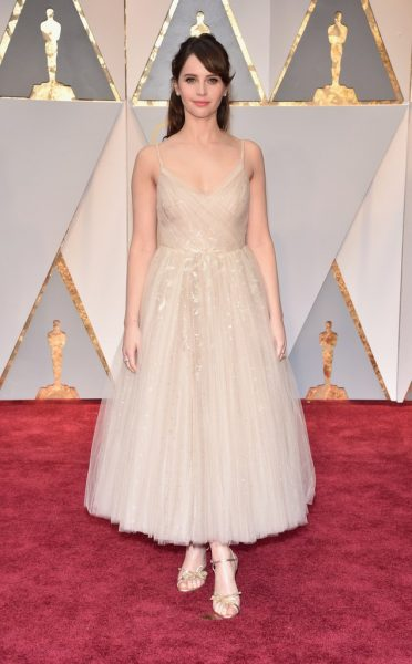 oscar 2017 felicity jones dior couture
