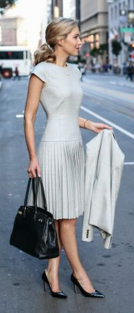 pleated dress moda para executivas