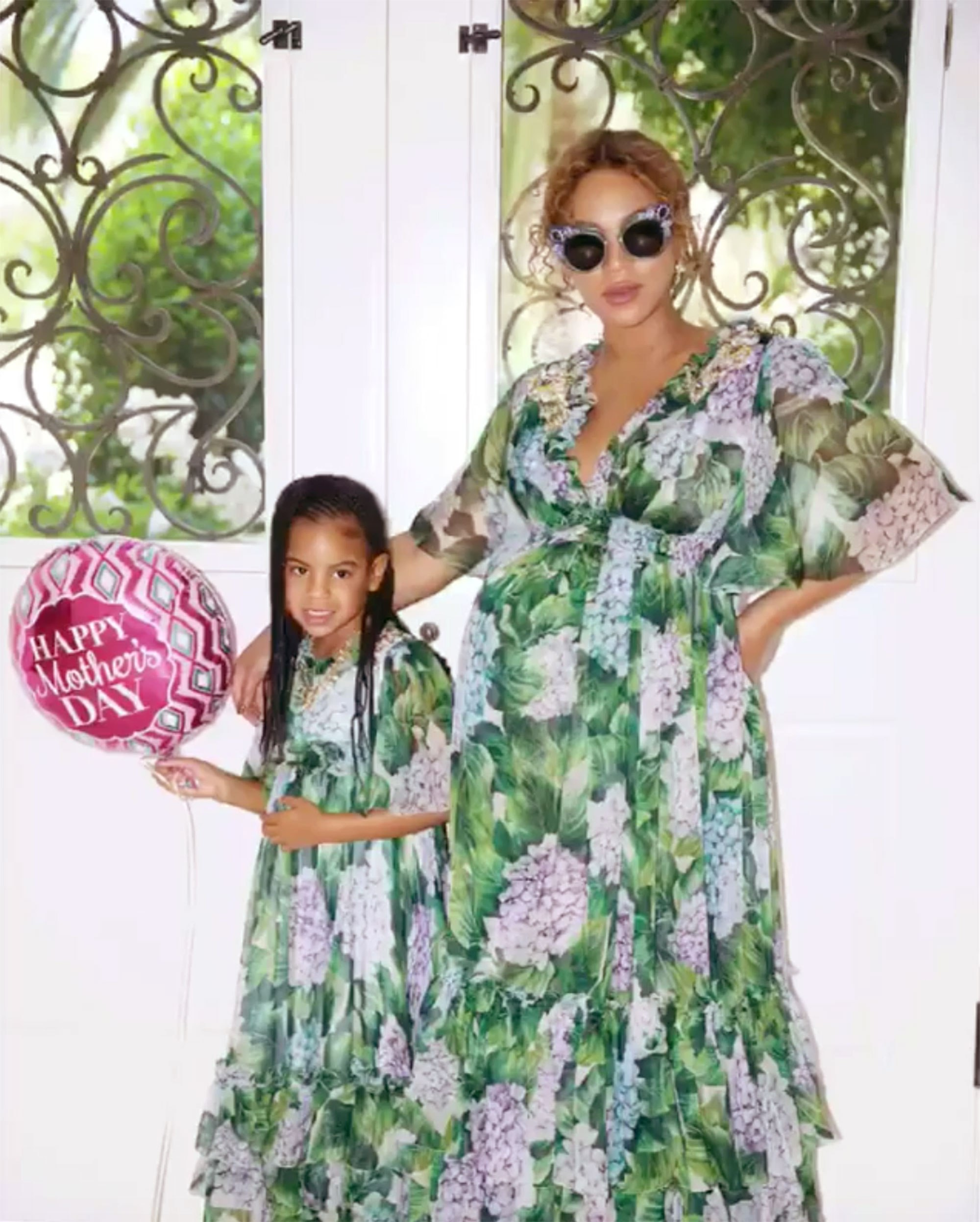 Beyonce and Blue Ivy Wear Matching Mother-Daughter Dolce & Gabbana Dresses https://www.instagram.com/p/BUSx-sfgAjf/ Credit: Beyonce/Instagram